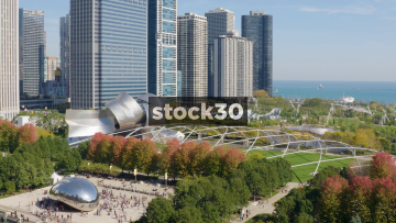 Cloud Gate, Jay Pritzker Pavilion And Lake Minchigan In Chicago, USA