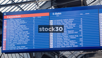 Timetable Board In Zürich Hauptbahnhof Railway Station, Switzerland