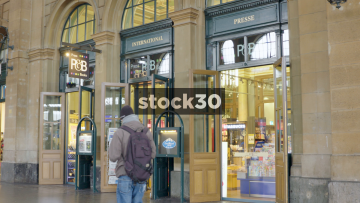 P&B Books Store At Zürich Hauptbahnhof Railway Station, Switzerland