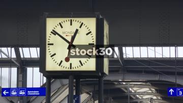 Mid And Wide Shots Of Clock In Zürich Hauptbahnhof Railway Station, Switzerland