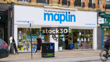Maplin Electronics On Pinstone Street In Sheffield, UK