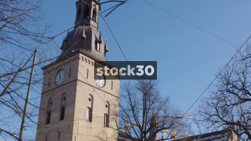 Oslo Cathedral - Pan Down Building, Norway