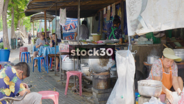 A Food Vendor On Phaya May Road In Bangkok, Thailand
