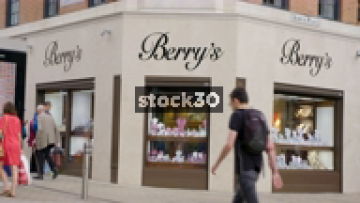Berry's Jeweller's At Albion Place In Leeds, UK