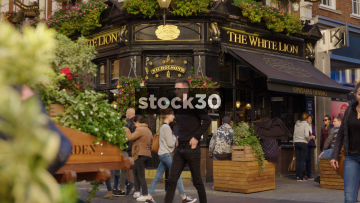 The White Lion Pub Near Covent Garden In London With People Passing By, UK