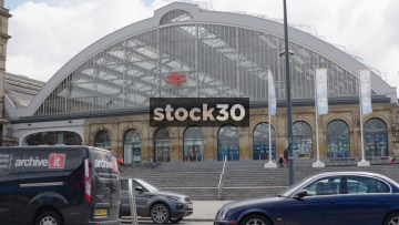 Liverpool Lime Street Station Steps With Passing traffic And Pedestrians, UK