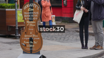 Live Music Sign And Street Scene Outside The Oliver St.John Gogarty Irish Pub In Temple Bar, Dublin, Ireland