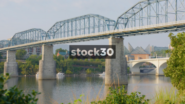 Zoom Out Of Walnut Street Bridge Over Tennessee River In Chattanooga, USA