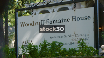 Woodruff Fontaine House In Memphis, Tennessee, Sign And Wide Shot, USA
