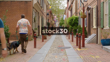 Slow Zoom In Down Elfreth's Alley In Philadelphia, Pennsylvania, USA