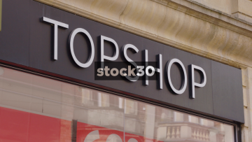Closed Down Topshop Store In Oxford, Close Up On Sign And Wide Shot, UK