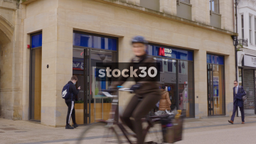 Metro Bank On Queen Street In Oxford, UK