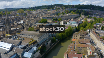 Drone Shot Flying Backwards Over River Avon And William Pulteney Bridge In Bath, UK