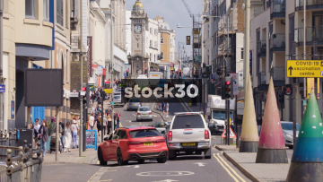 West Street In Brighton With Slow Zoom Out, UK