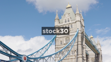 Time-lapse Shot Of The Top Of Tower Bridge In London, UK